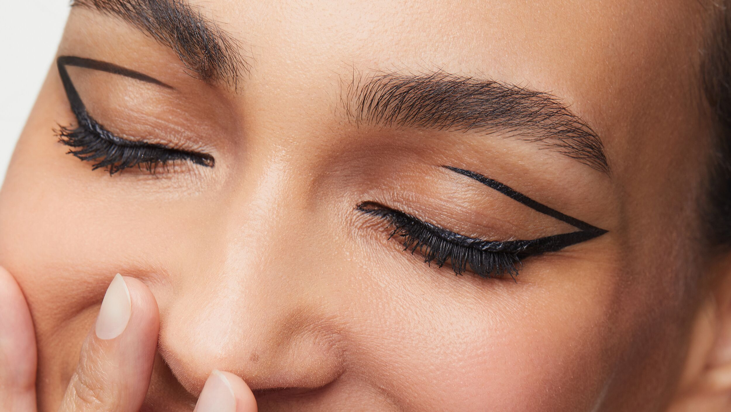 Precision Eyeliner Flick Files - Look 5