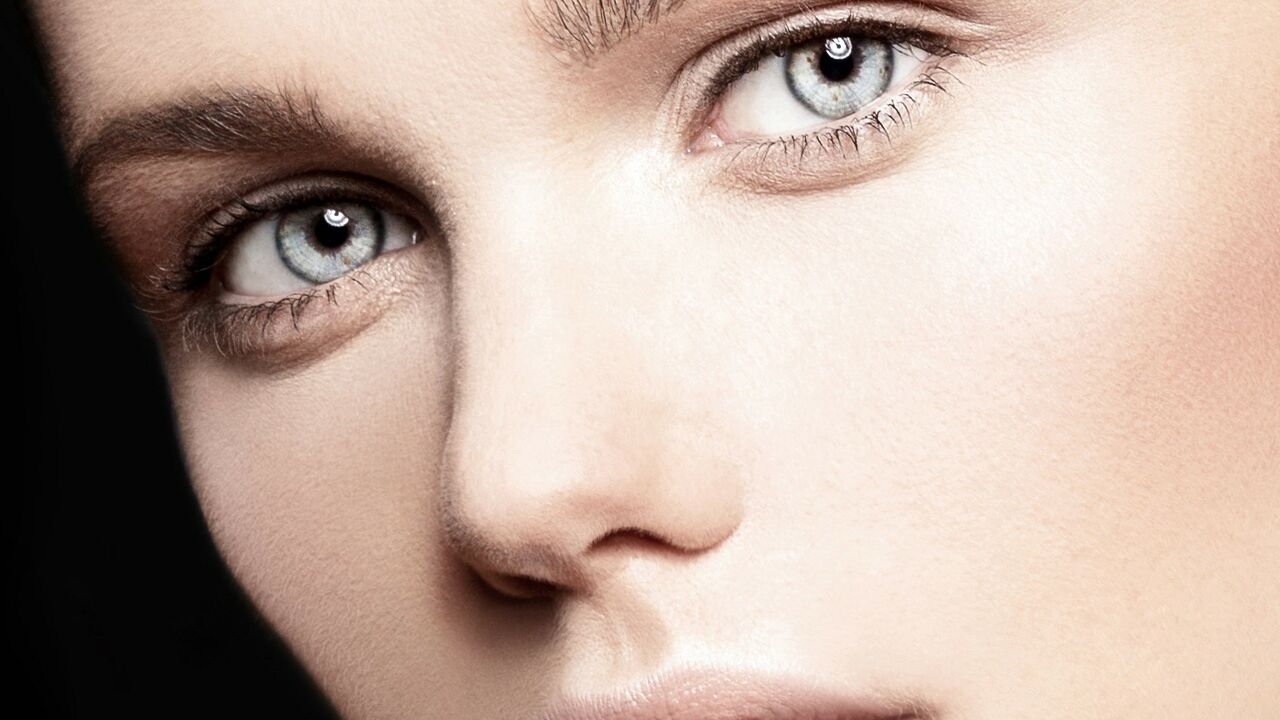 BEAUTY PIE Model close up