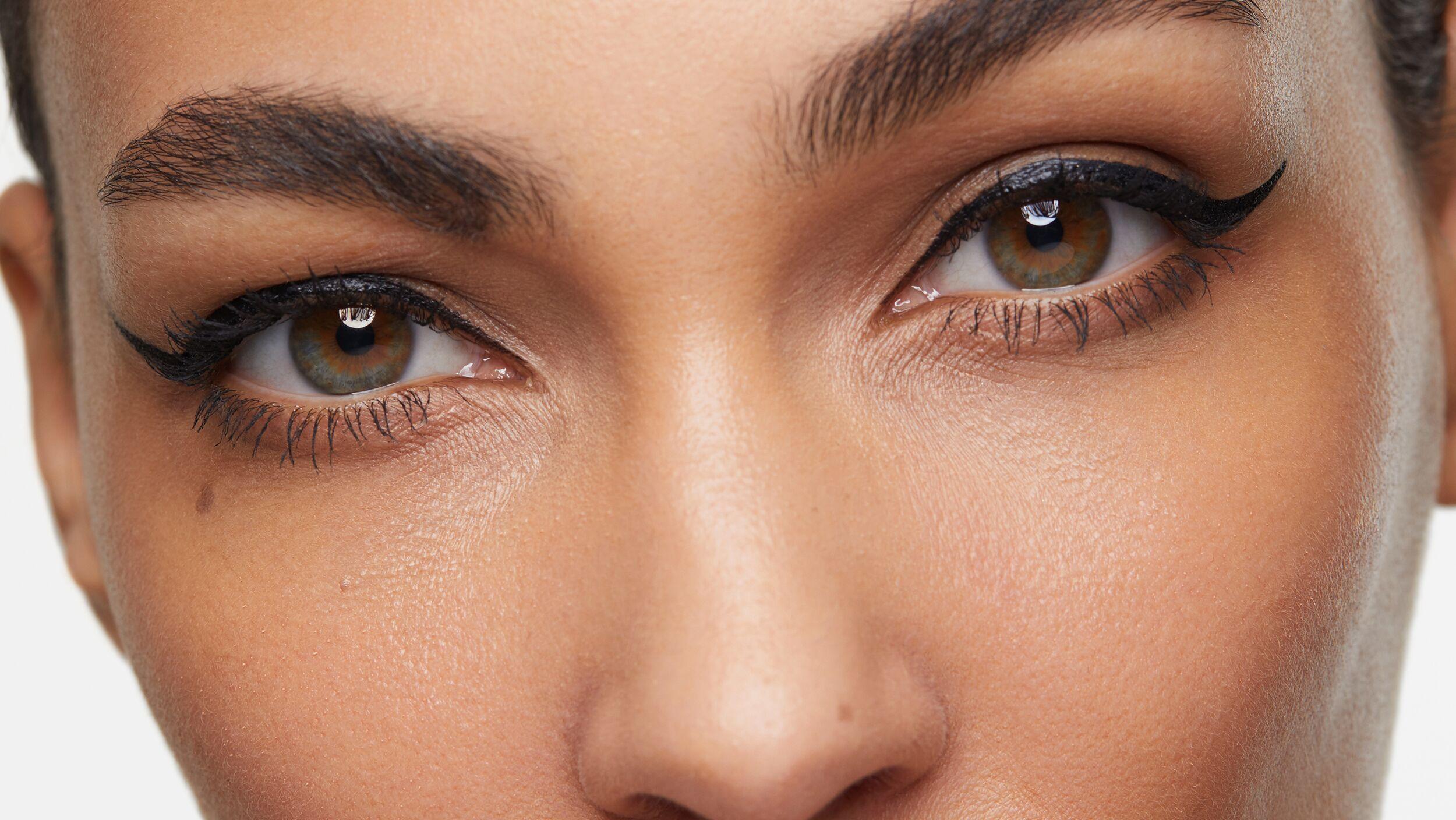 Precision Eyeliner Flick Files - Look 3