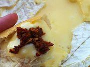 Recette : Camembert au barbecue et tomates séchées - Recette au fromage