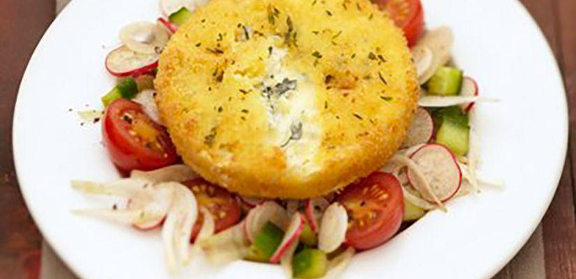Recettes rapides : Recette : Bleu de bresse pané sur sa salade croquante - Recette au fromage