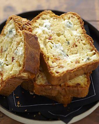 Recettes françaises :  Cake au bleu, jambon et tomate séchée