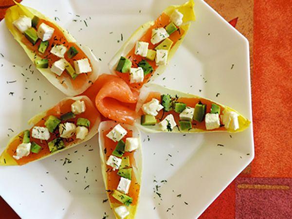 Recette : Étoile d'endive au saumon, avocat et fromage - Recette au fromage