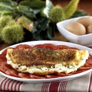 Recette : Omelette soufflée à la ciboulette et au fromage - Recette au fromage
