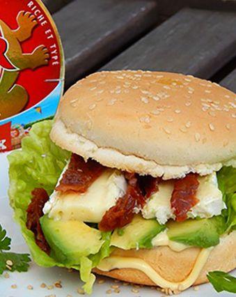 Sandwichs :  Sandwich à la tapenade, concombre et camembert