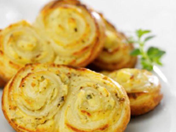 Recette : Petits palmiers au fromage frais à la ciboulette & aux échalotes - Rec...