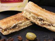 Recette : Petits sandwichs au fromage, raisins secs et olives vertes - Recette a...