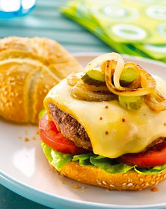 Hamburger maison :  Hamburger au fromage à raclette