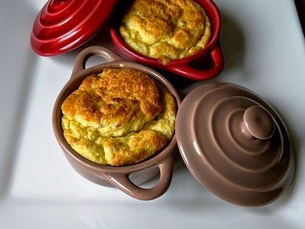 Soufflés au fromage :  Soufflé au fromage et à l'artichaut en cocotte