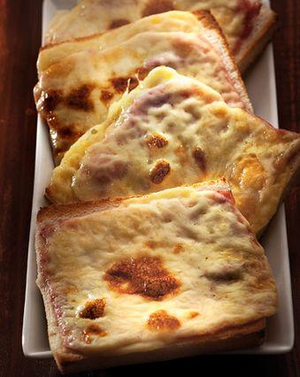 Croque-monsieur :  Croque-monsieur au jambon gratiné au four