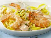 Recette : Pâtes au saumon à la crème de crevettes et fromage frais ail & fines h...
