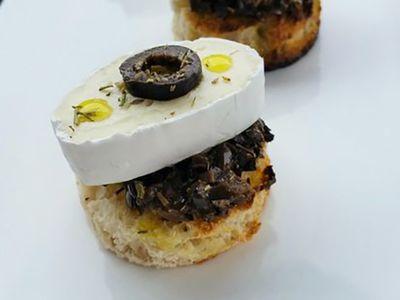 Recette : Bouchées au fromage et aux olives - Recette au fromage