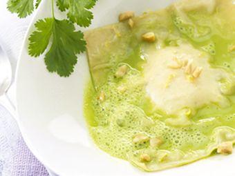 Recette : Raviole de fromage frais aromatisé, bouillon vert - Recette au fromage