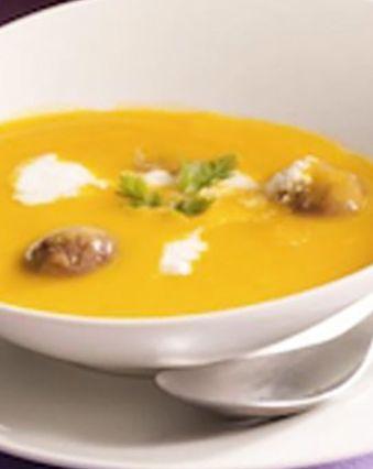 Recettes de soupes :  Velouté de potiron aux éclats de châtaignes et fromage de chèvre frais