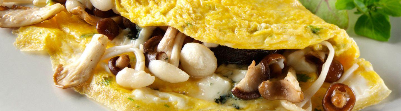Omelette aux champignons des bois et au bleu - Recette au ...