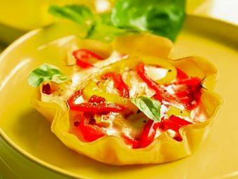 Recette : Tartelettes  fines au fromage frais et aux poivrons - Recette au froma...