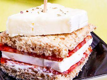 Recette : Club-sandwichs au chorizo et fromage - Recette au fromage