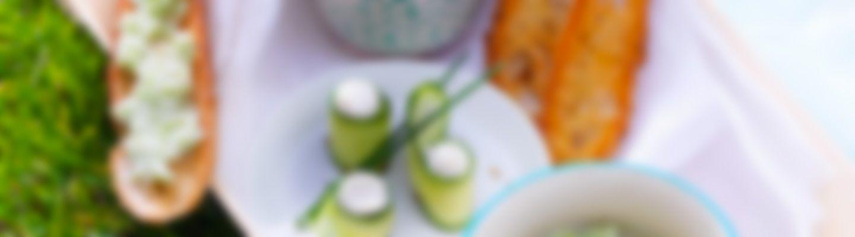 ap ritifs de concombre et fromage frais recette au fromage. Black Bedroom Furniture Sets. Home Design Ideas
