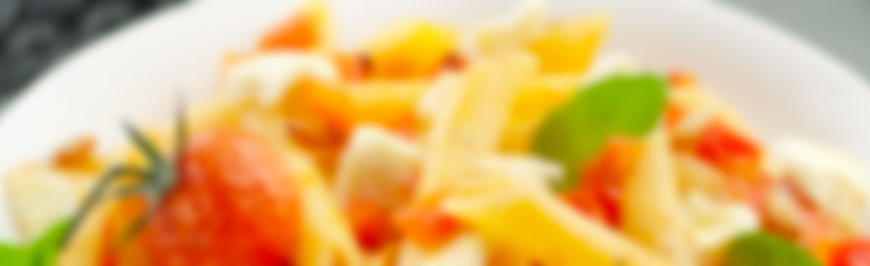Penne tomates, poivrons et fromage