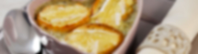 soupe l 39 oignon et ses croutons gratin s au camembert. Black Bedroom Furniture Sets. Home Design Ideas