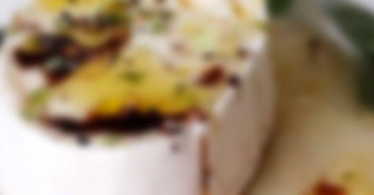 Recette Poire fondante au fromage et vinaigre balsamique - Recette au fromage