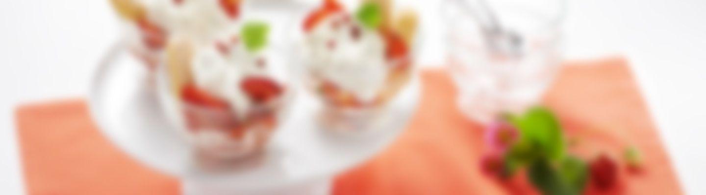 tiramisu aux fraises et au fromage de ch vre frais recette au fromage. Black Bedroom Furniture Sets. Home Design Ideas