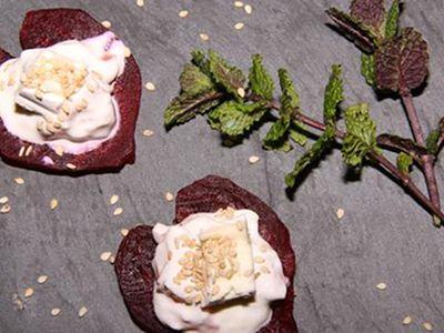 Recette : Cœurs de betterave, mousse au saumon fumé et fromage - Recette au from...