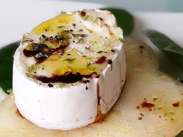 Recette : Poire fondante au fromage et vinaigre balsamique - Recette au fromage