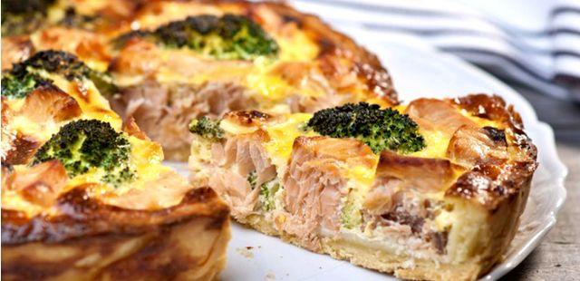 Recettes de quiches au fromage : Quiche au saumon, brocolis et fromage râpé italien