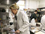 Recettes : Flora Mikula : ses bonnes idées de recettes pour une cuisine économique