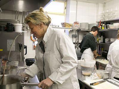 Recettes pas chères : Flora Mikula : ses bonnes idées de recettes pour une cuisine économique