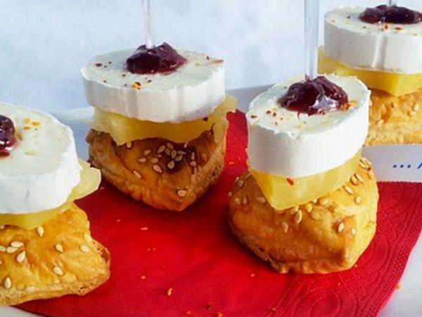Recette : Bouchées feuilletées à l'ananas et au fromage - Recette au fromage
