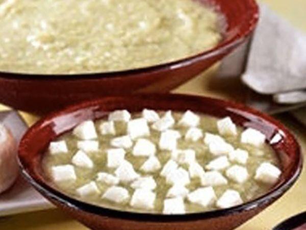 Recettes de soupes :  Soupe à l'oignon au maroilles