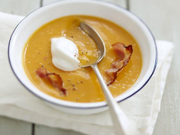 Recettes de soupes :  Velouté de potiron au fromage frais et chips de lard