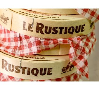 Fabrication: Camembert Le Rustique®