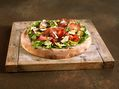 Recette : Pizza au parmesan façon salade composée - Recette au fromage