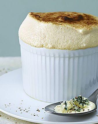 Soufflés au fromage :  Soufflé au fromage bleu et topinambour