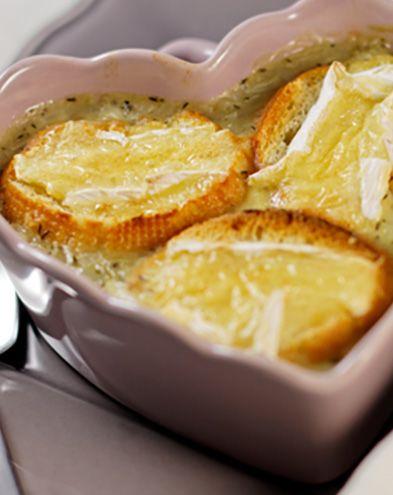 Recettes de soupes :  Petites soupes gratinées au camembert