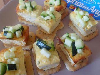 Recette : Minis cheesecakes à la courgette et au fromage frais - Recette au from...