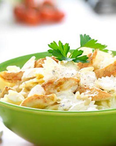 Farfalle au poulet, au fromage frais ail et fines herbes