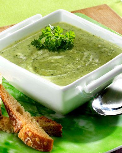 Recettes de soupes :  Velouté de courgettes au camembert et cerfeuil