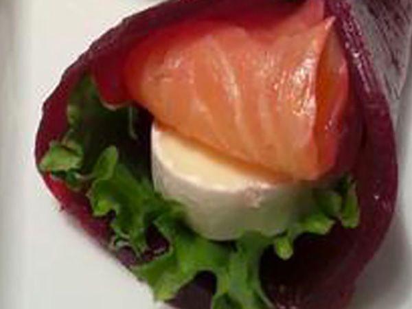 Recette : Bouchée au saumon fumé, betterave et fromage - Recette au fromage
