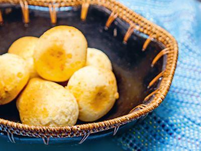 Plateau télé : Pão de queijo: le Brésil, c'est de la boulette (au fromage)