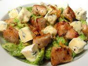 Recette : Pâtes au poulet et fânes de radis au bleu - Recette au fromage