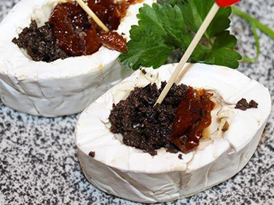 Recette : Mini fromage fourré aux olives et tomates séchées - Recette au fromage