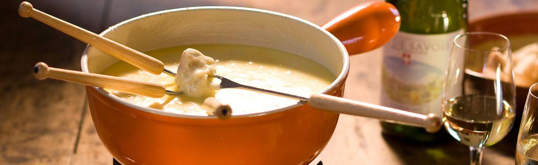 recettes de fondues id es de recettes au fromage. Black Bedroom Furniture Sets. Home Design Ideas