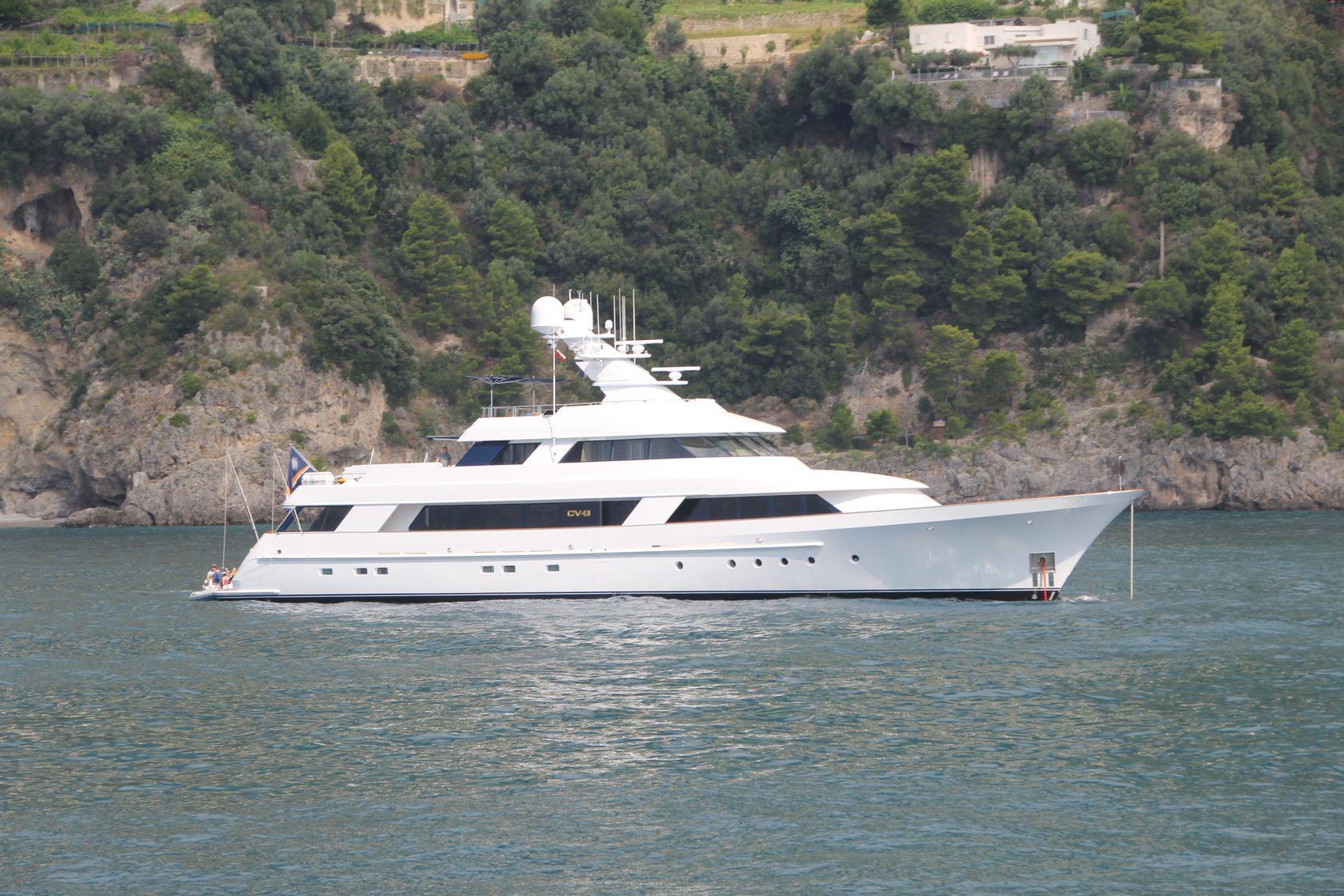 cv-9 yacht