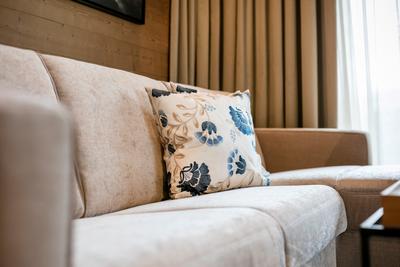 Schlafsofa Strong Eckbank in hellbraun | Hotelzimmer im Almwellnesshotel Pierer