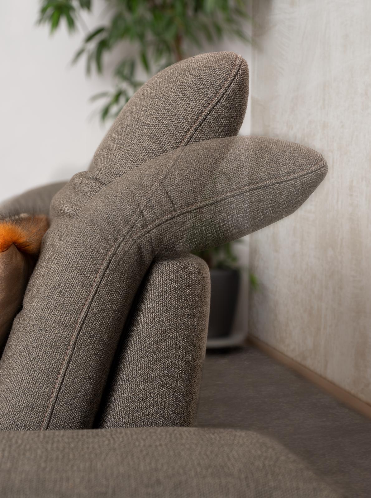 Detailbild von Sofa Keano mit Nackenstützenverstellung