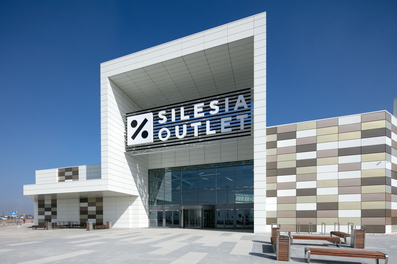 Silesia Shopping Outlet using Colorcoat Prisma